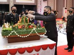 Kapolda Jatim Irjen Pol M Fadil Imran Pimpin Upacara HUT Bhayangkara Ke-74 Tahun 2020 di Gedung Mahameru Mapolda. (Poto:pojoksuramadu.com)